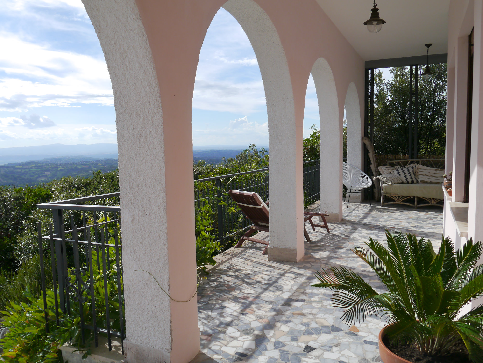 The porch - rental villa near Rome