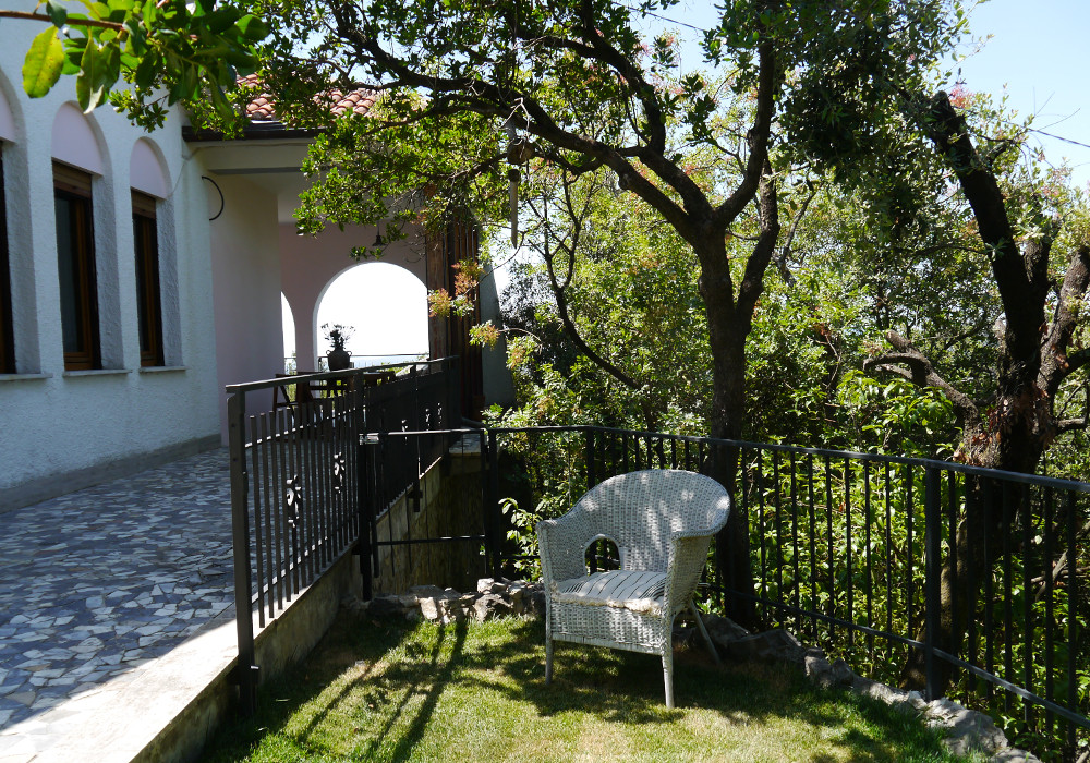 Behind the house - villa rental near Rome