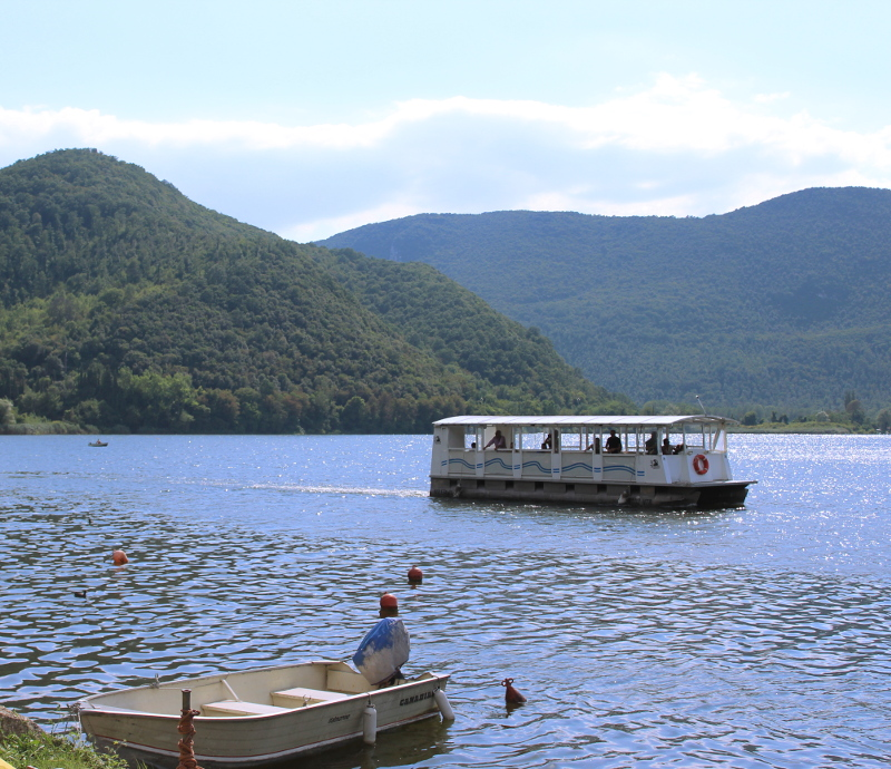 Places to visit Umbria - Lake Piediluco